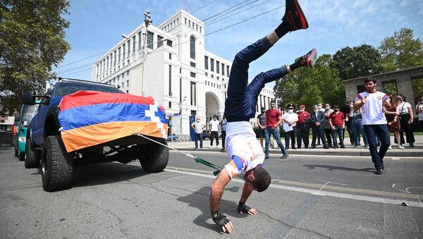 Սաքունց եղբայրները Հայաստանի անկախության օրվան նվիրված երկու ռեկորդ են սահմանել - Sputnik Արմենիա