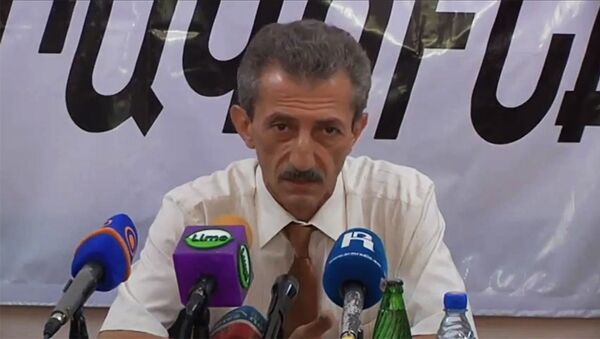 Глава отдела по нац. меньшинствам и религиозным вопросам в аппарате премьер-министра Вардан Асцатрян - Sputnik Արմենիա