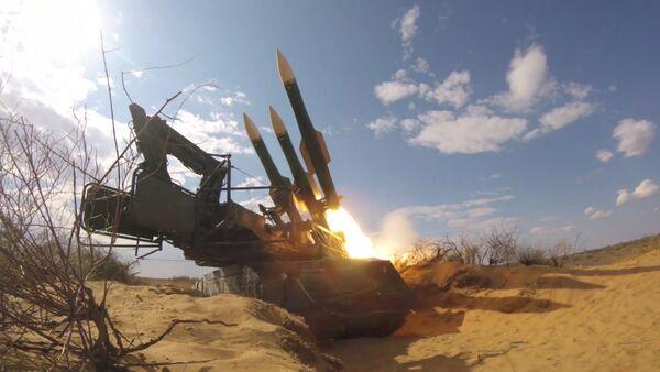 Средства ПВО отразили ракетно-авиационный удар: эпизод учений Кавказ-2020 - Sputnik Армения