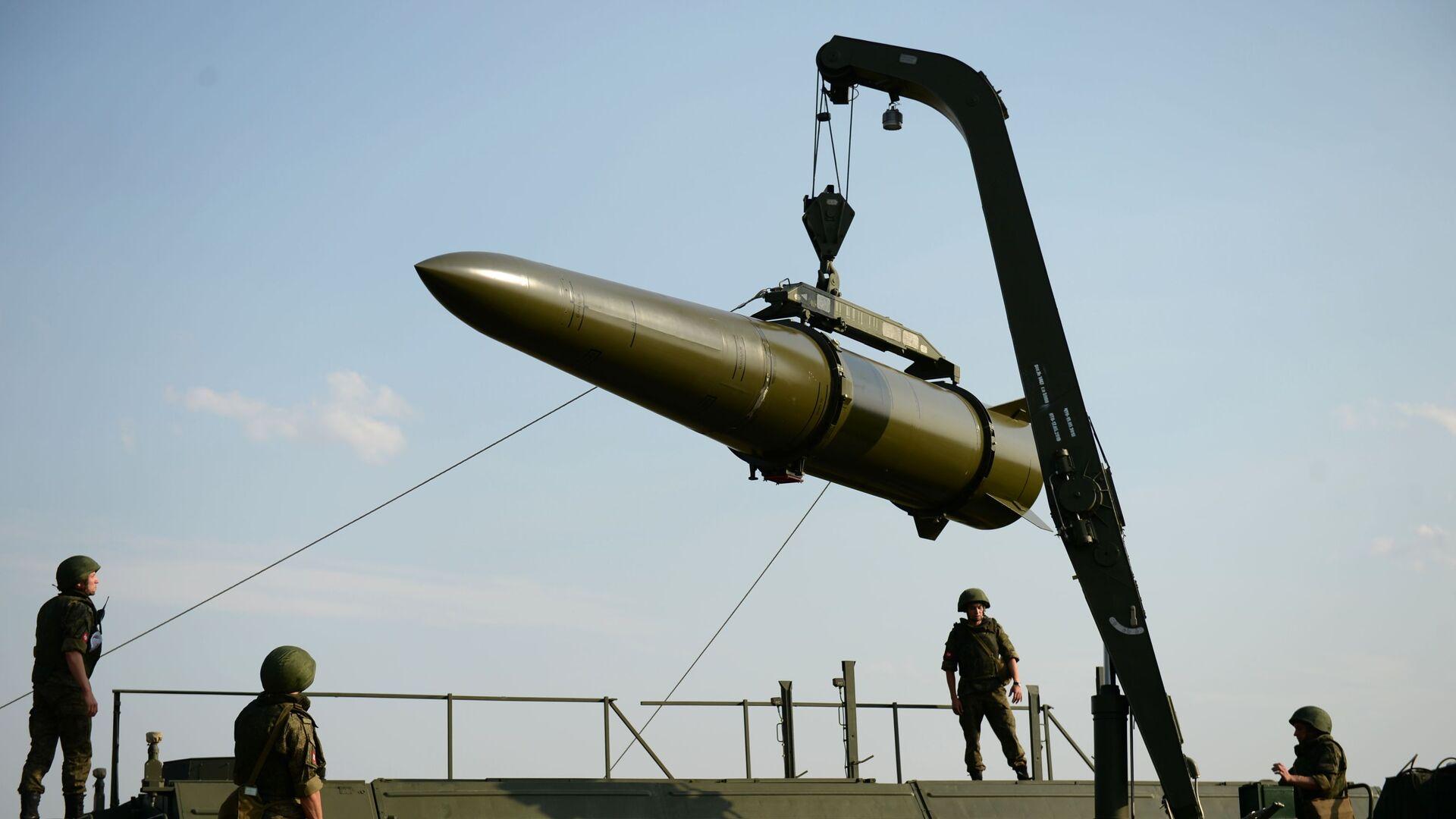Развёртывание оперативно-тактического ракетного комплекса Искандер-М - Sputnik Արմենիա, 1920, 04.05.2021