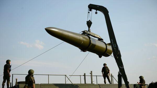 Развёртывание оперативно-тактического ракетного комплекса Искандер-М - Sputnik Армения