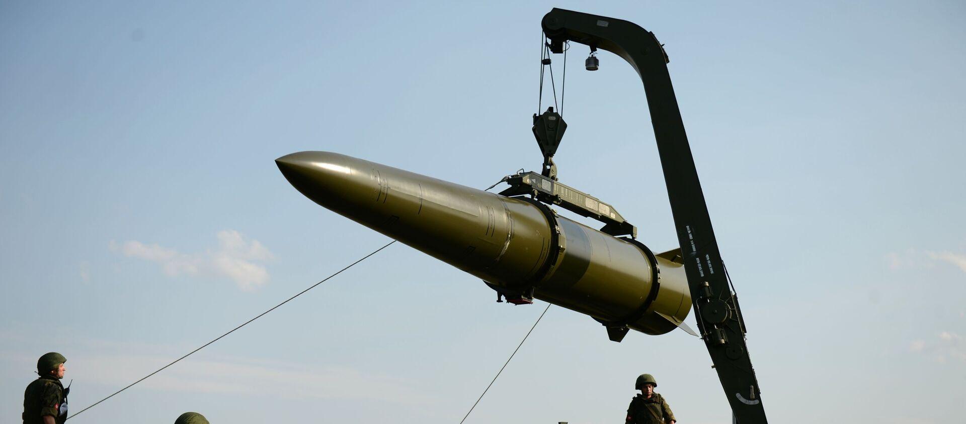 Развёртывание оперативно-тактического ракетного комплекса Искандер-М - Sputnik Армения, 1920, 14.08.2021