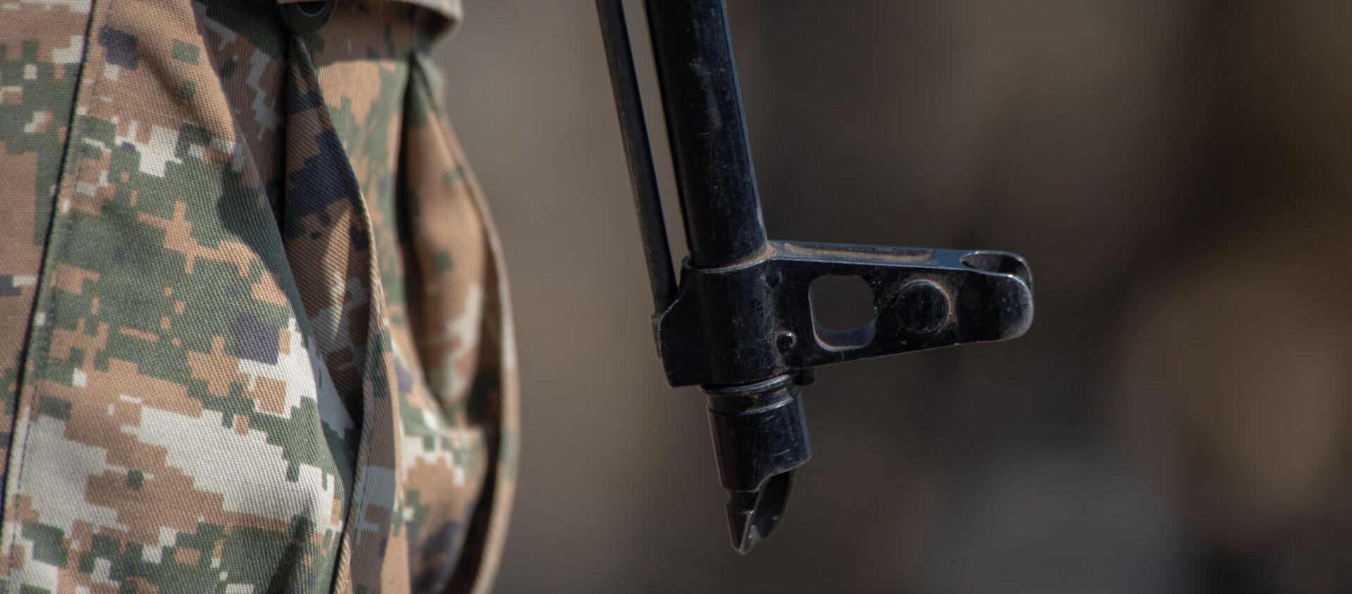 Армянские и российские военнослужащие разыгрывают боевые тактические действия в рамках стратегического командно-штабного учения «Кавказ-2020» на высокогорном полигоне «Алагяз» в Армении (24 сентября 2020). - Sputnik Արմենիա, 1920, 25.05.2021