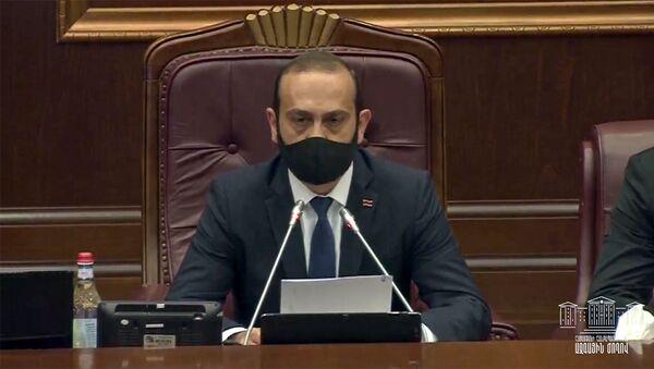 Спикер Национального собрания Армении Арарат Мирзоян на специальном заседании парламента (27 сентября 2020). Еревaн - Sputnik Արմենիա