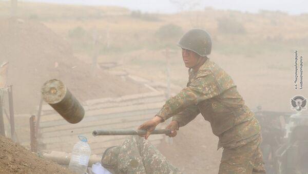 Армянские военнослужащие на передовой - Sputnik Армения