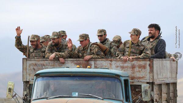 Армянские военнослужащие на передовой - Sputnik Արմենիա