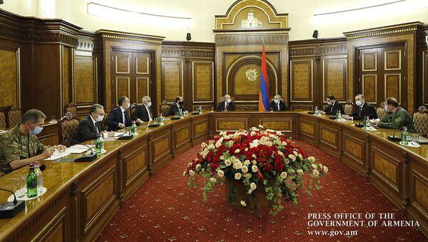 Премьер-министр Никол Пашинян провел внеочередное заседание Совета безопасности  (30 сентября 2020). Еревaн - Sputnik Արմենիա