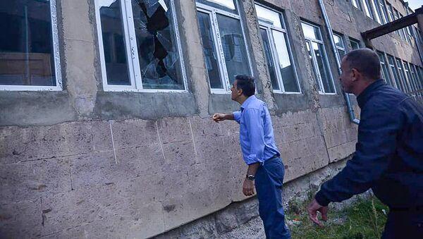 Омбудсмен Арман Татоян посетил попавшие под обстрел населенные пункты Гегаркуника (30 сентября 2020). Гегаркуник - Sputnik Արմենիա