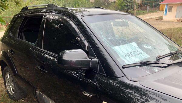 Вооруженные силы Азербайджана целились также в автомобиль, который перевозил журналистов международного новостного агентства Agence France-Presse (AFP), находящихся в Арцахе с журналистской миссией - Sputnik Армения