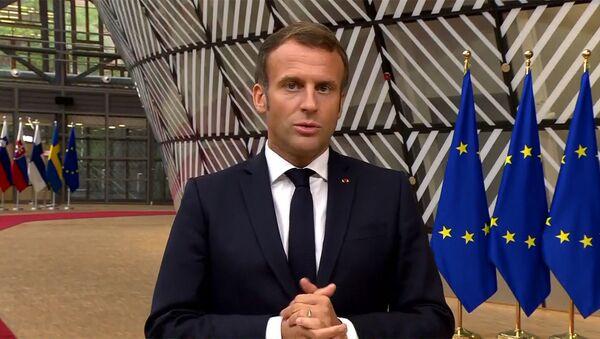 Президент Франции Эмануэль Макрон перед началом Совета Евросоюза (1 октября 2020). Брюссель - Sputnik Армения