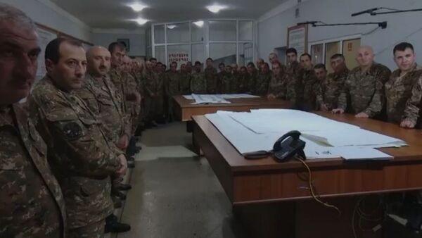 Պաշտպանության բանակի հրամանատարական կետում «Արցախի հերոս» քիչ առաջ բարձրագույն կոչմանն եմ արժանացրել մեր լեգենդար հրամանատարներից Կարեն Ջալավյանին: - Sputnik Արմենիա