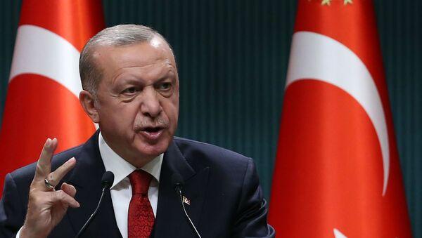 Президент Турции Реджеп Тайип Эрдоган во время пресс-конференции после заседания кабинета министров (21 сентября 2020). Анкара - Sputnik Армения