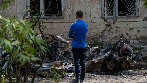 Последствия обстрелов в Мартуни (2 октября 2020). Карабах - Sputnik Армения