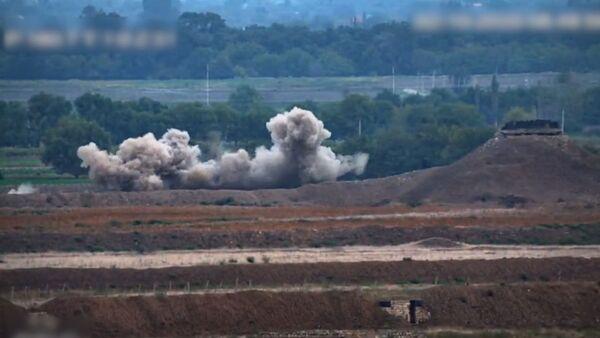 Армянские ВС героически уничтожают позиции атакующего врага - Sputnik Армения