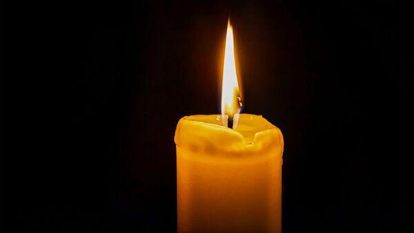 Зажженная свеча - Sputnik Армения