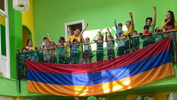 Воспитанники и сотрудники детского сада Eltaroz – Rozelita - Sputnik Արմենիա