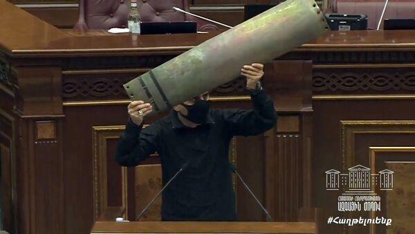 Арман Абовян на внеочередном заседании НС РА (6 октября 2020). Еревaн - Sputnik Արմենիա