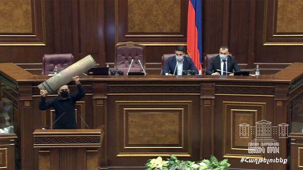 Арман Абовян на внеочередном заседании НС РА (6 октября 2020). Еревaн - Sputnik Армения