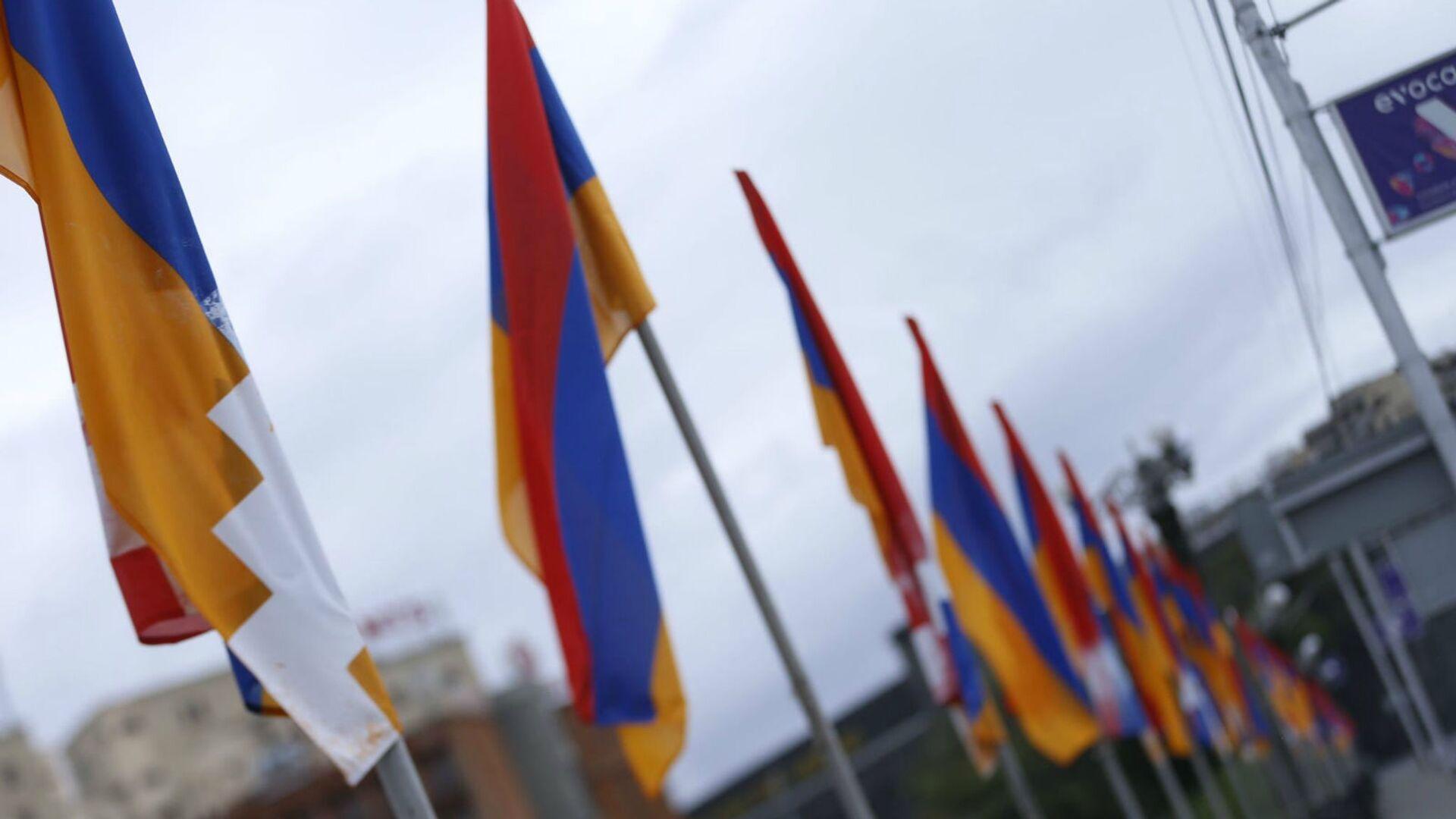Флаги Армении и Карабаха - Sputnik Армения, 1920, 24.09.2021