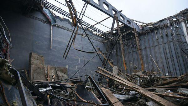Разрушенный после вражеских обстрелов Дом Культуры (7 октября 2020). Шуши - Sputnik Армения