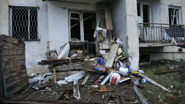 Последствия ночного обстрела (8 октября 2020). Степанакерт - Sputnik Армения