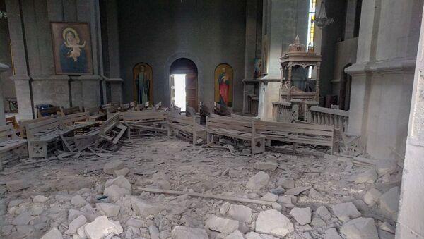 Попавший под обстрел Собор Сурб Казанчецоц в Шуши - Sputnik Армения