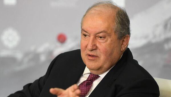 Под эгидой президента Армена Саркисяна сегодня в Ереване открылся «Второй армянский саммит мыслей» (10 октября 2020). Еревaн - Sputnik Արմենիա