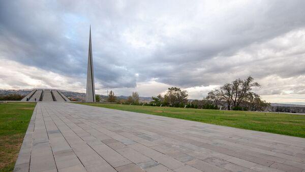Мемориальный комплекс Цицернакаберд, посвящённый жертвам Геноцида армян (06 октября 2020). Еревaн - Sputnik Армения
