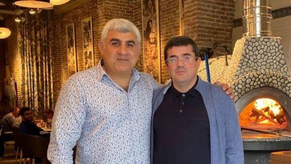 Президент Карабаха Араик Саркисян (справа) и Армен Князян - Sputnik Армения