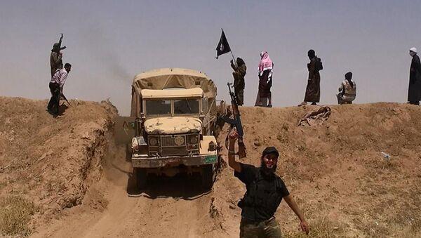 Боевики джихадистской группировки ИГИЛ (11 июня 2014). Сирия - Sputnik Армения
