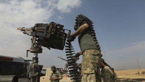 Сирийские боевики, поддерживаемые Турцией, во время боевых действий недалеко от города Рас-эль-Айн (19 октября 2020). Сирия - Sputnik Армения