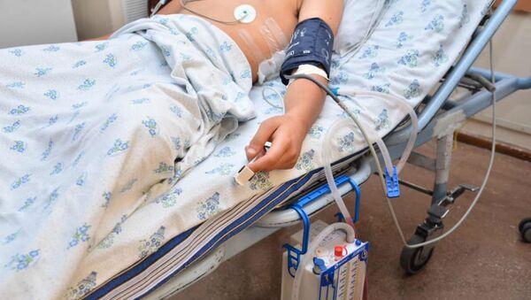 Специальная рабочая группа навещает раненого в больнице Сурб Аствацамайр (14 октября 2020). Варденис - Sputnik Армения