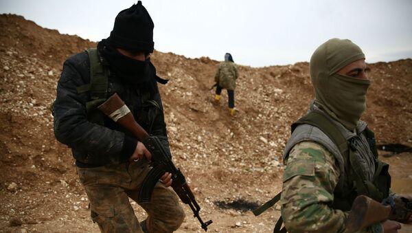 Поддерживаемые Турцией боевики сирийской оппозиции занимают позицию возле деревни Хамран (29 декабря 2018). Сирия - Sputnik Армения