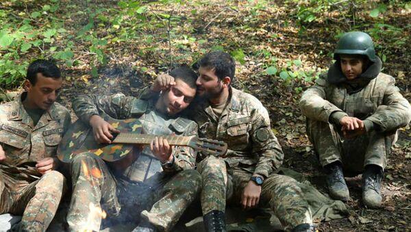 Армянские бойцы на передовой - Sputnik Արմենիա