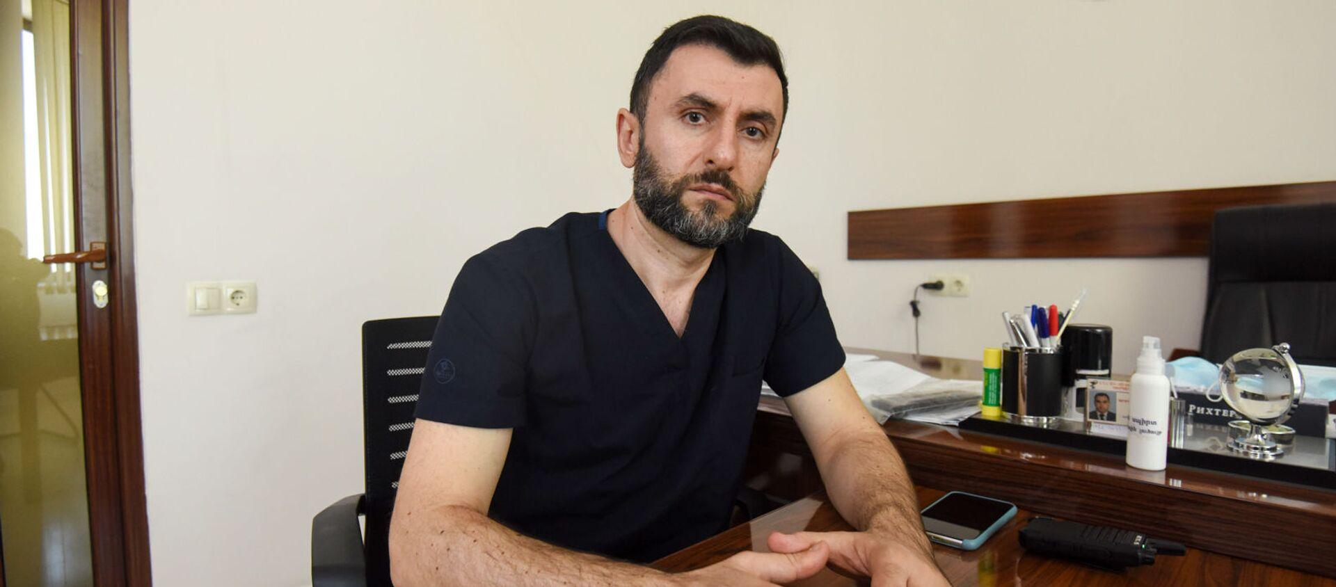 Врач–доброволец из Москвы Шаген Даниелян - Sputnik Армения, 1920, 27.05.2021