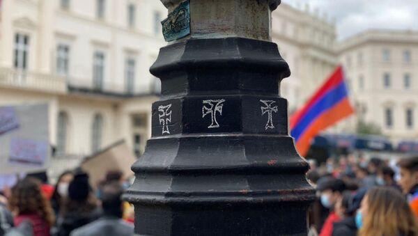 Протесты армянской общины напротив здания BBC с целью остановить пропаганду ложной информации и беззакония со стороны Азербайджана (17 октября 2020). Лондон - Sputnik Армения