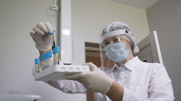 Медик в клинико-диагностической лаборатории - Sputnik Արմենիա