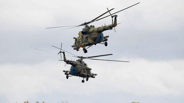 Вертолеты Ми-8 во время командно-штабных учений ОДКБ Нерушимое братство 2020 на полигоне Лосвидо под Витебском - Sputnik Армения
