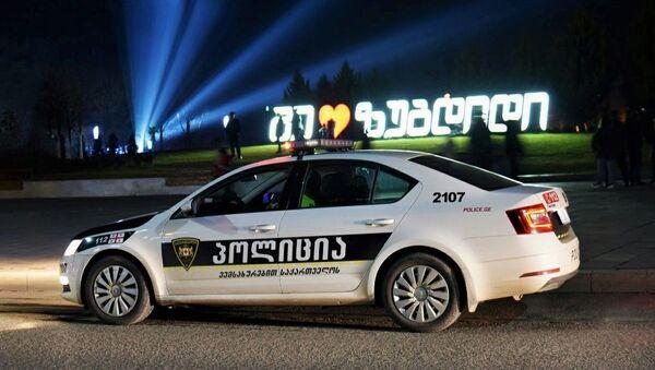 Машина патрульной полиции в Зугдиди. В Грузии борются с коронавирусом - Sputnik Արմենիա