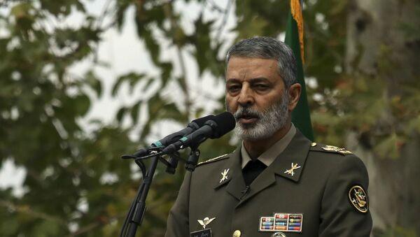 Командующий иранской армией генерал Абдулрахим Мусави во время ежегодного митинга перед бывшим посольством США в Тегеране (4 ноября 2019). Иран - Sputnik Армения