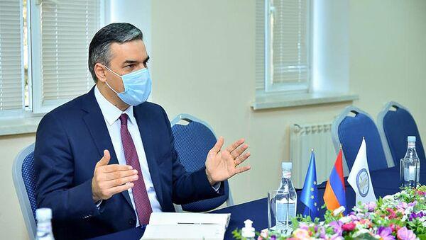 Омбудсмен Арман Татоян встретился с послом ЕС в Армении Андреа Викторин (30 октября 2020). Еревaн - Sputnik Армения