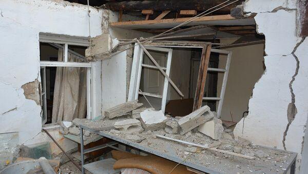 Гражданские объекты Степанакерта после ночного обстрела (31 октября 2020). Карабах - Sputnik Արմենիա