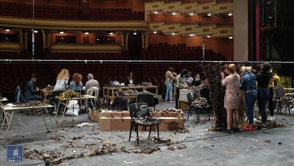 Сцена Национального академического театра оперы и балета - место изготовления маскировочных сеток - Sputnik Արմենիա