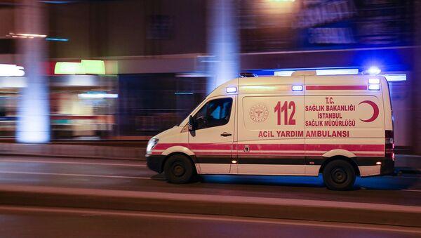 Автомобиль скорой помощи в Стамбуле. Архивная фотография - Sputnik Армения
