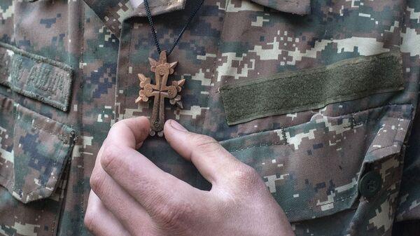 Обряд крещения военнослужащих недалеко от передовой линии (2 ноября 2020). Карабах - Sputnik Армения