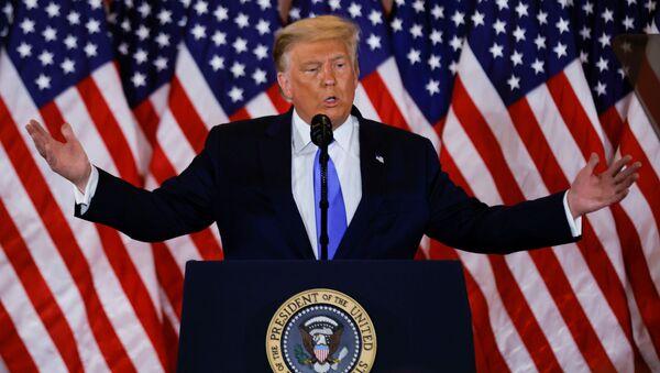 Президент США Дональд Трамп рассказывает о первых результатах президентских выборов (4 ноября 2020). Вашингтон - Sputnik Армения