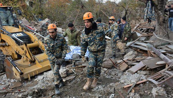 Последствия ночных и утренних обстрелов Степанакерта (6 ноября 2020). Карабах - Sputnik Արմենիա