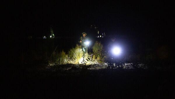 Поисковые работы на месте крушения российского вертолета Ми-24, сбитого в воздушном пространстве над территорией Армении вне зоны боевых действий (9 ноября 2020). Араратская область - Sputnik Армения