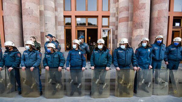 Ոստիկաններ - Sputnik Արմենիա