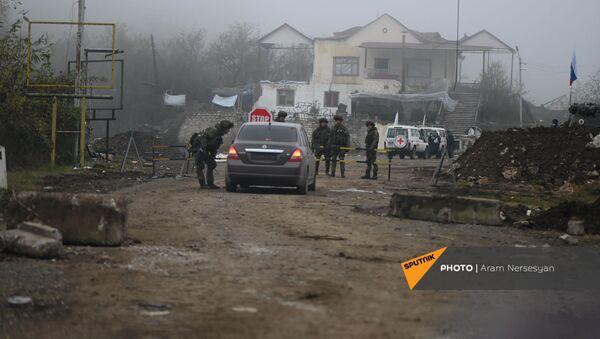 Дорога на подступе к Шуши после окончания военных действий (14 ноября 2020). Карабах - Sputnik Արմենիա